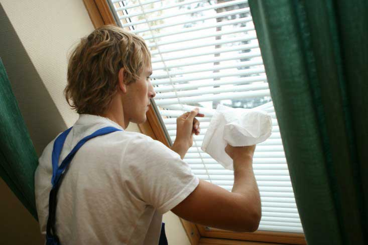 Cleaning-Blinds-Remodeling