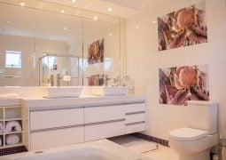 Tips for Making a Small Bathroom Look More Spacious